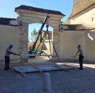 Chateau Laboissière 2 - Dépose De La Porte à La Grue