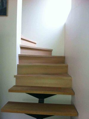 Escalier-habillé-en-chene-massif
