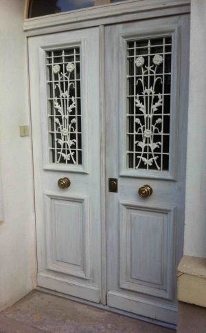 Porte-pavillon-mouluree-deux-vantaux