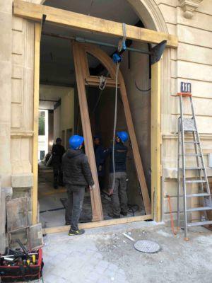 Porte Cochère 111 Rue De Longchamp - 19 : Repose Du Vantail Portant Le Portillon