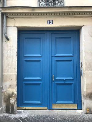 Porte Cochère 19 Rue Des Feuilantines Photo 14 - Porte Reposée Et Mise En Peinture