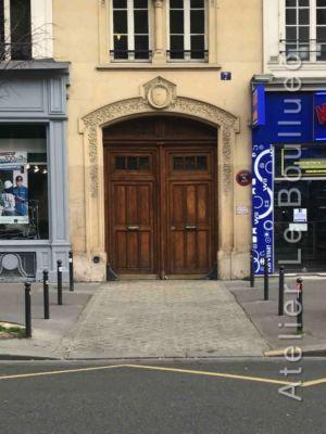 Porte Cochère Louis XV - 7 BD VOLTAIRE RED