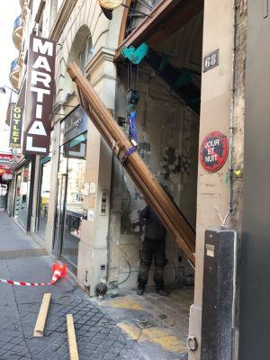 Porte Cochère Monumentale 68 Rue De La Chaussé D'Antin - 09 - En Cours De Repose